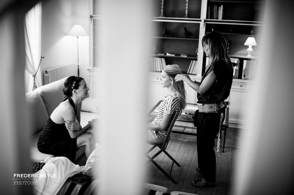 préparatifs de la mariée avec sa famille